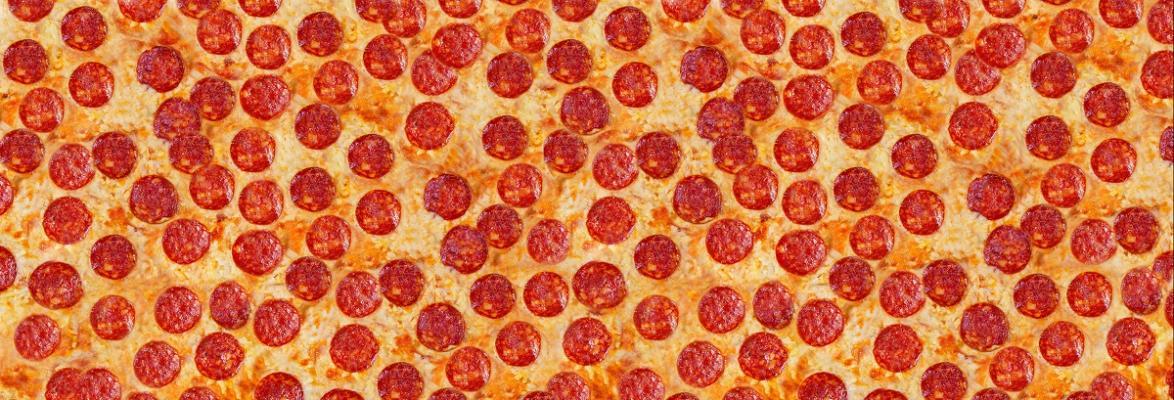Czy wiecie, że krakowianie pobili swego czasu rekord Guinessa w... najdłuższej pizzy?
