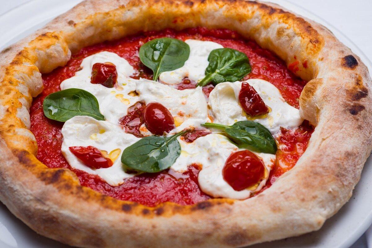 Dlaczego pizza jest okrągła? Kolejne ciekawostki o pizzy