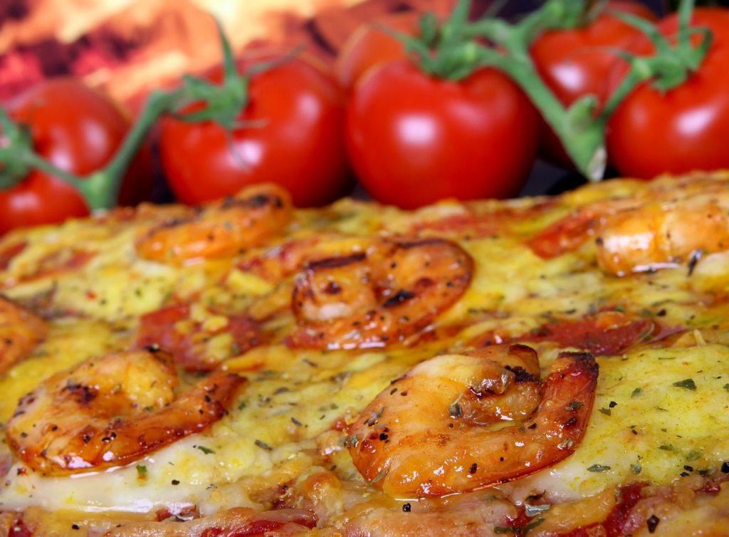 krewetki w pizzy