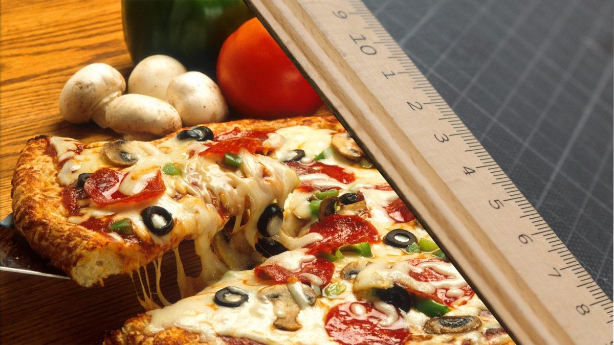 Matematyka wyjaśnia, dlaczego zawsze powinieneś zamawiać większą pizzę