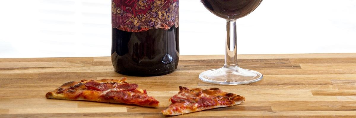 Pizza, wino, i co ino! Nasz ranking win do różnych pizz